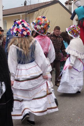 le belle maschere bianche in val resia - Resiutta (2045 clic)