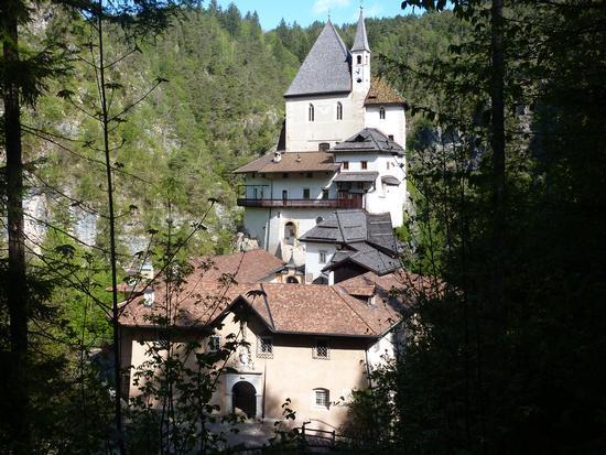 santuario di san Romedio - Sanzeno (553 clic)