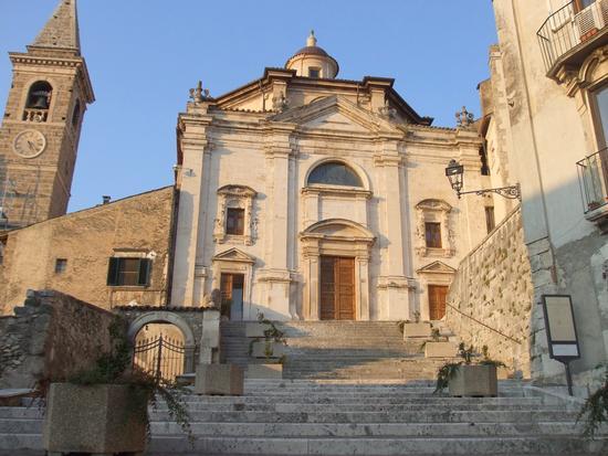 Chiesa della SS. Trinità  (XVI secolo) - Popoli (3150 clic)