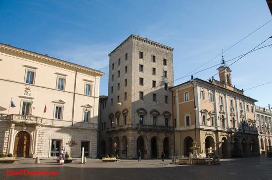 Piazza Vittorio E.II° - Rieti (786 clic)