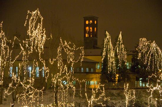 Lungo Velino. Sullo sfondo Campanile Chiesa S.Francesco.  - RIETI - inserita il 20-Dec-10