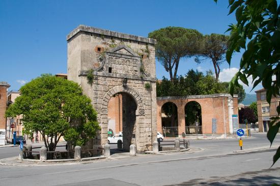 Porta Romana  - Rieti (3397 clic)