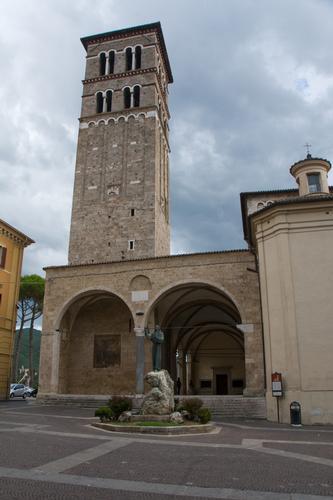 Campanile e statua di S.Francesco - Rieti (3207 clic)