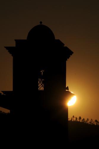 Campanile al tramonto - Pratola serra (1497 clic)