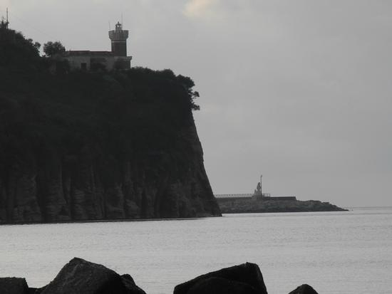 Il faro e il porto - Agropoli (2217 clic)
