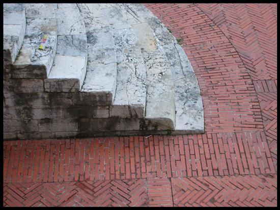 Geometrie - Gubbio (2036 clic)