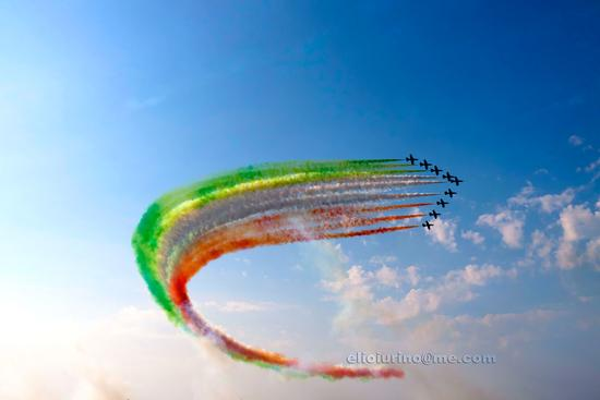 Le Frecce Tricolori in onore di San Nicola - Bari (2551 clic)
