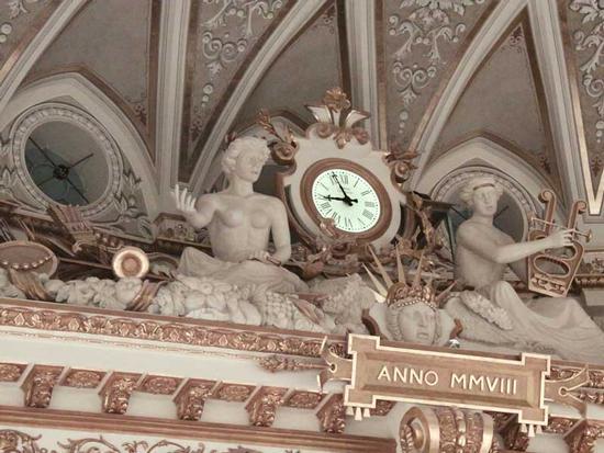 Teatro Petruzzelli - Bari (2254 clic)