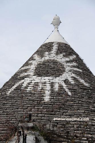 Simbologia dei trulli - Alberobello (3469 clic)
