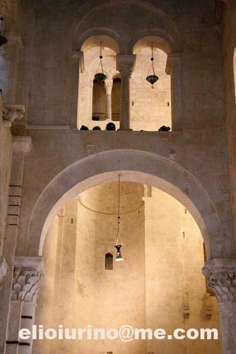 Bari, Cattedrale, navata laterale (2374 clic)