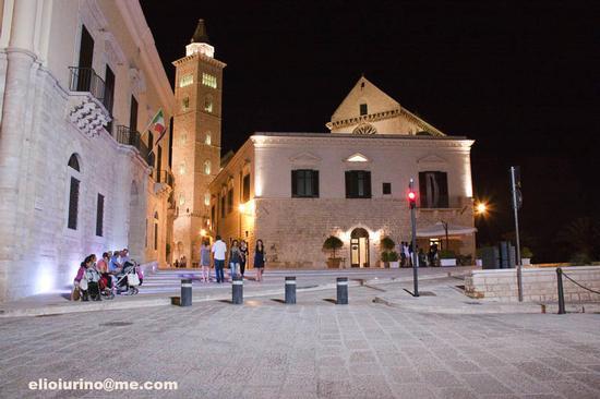 Trani, vista notturna (5035 clic)