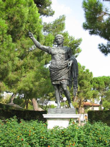 Fano - Statua di Augusto - agosto 2010 (3110 clic)