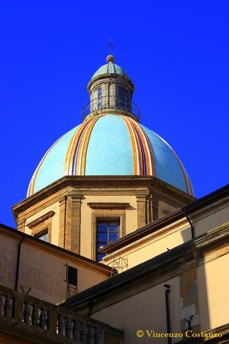 La Cupola - CALTAGIRONE - inserita il 06-Dec-11
