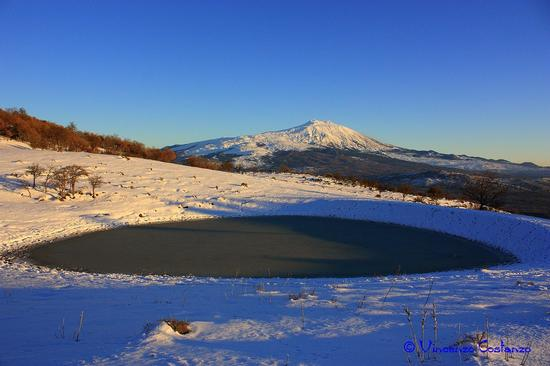 Lago ghiacciato e Etna - Maniace (2391 clic)