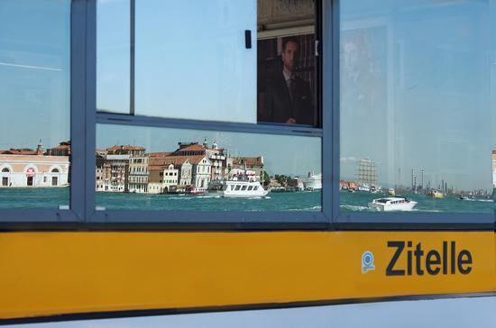 Ritratti e riflessi - Venezia (2260 clic)