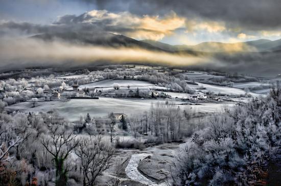 Buon giorno inverno! - Cantalupo ligure (2012 clic)