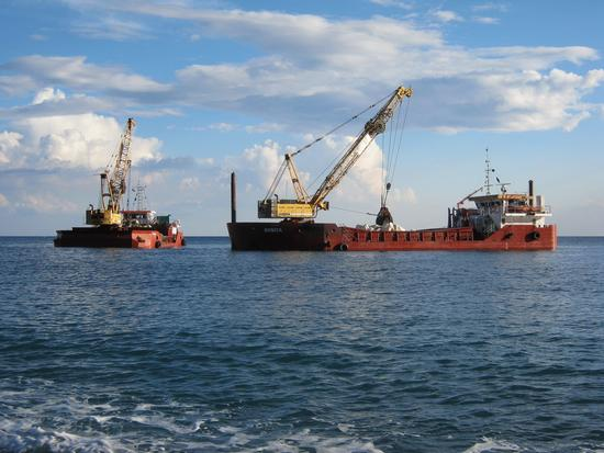 Mare: lavori in corso - Arenzano (1607 clic)