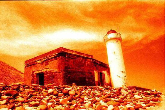 Isola di Salina - Faro abbandonato (3907 clic)