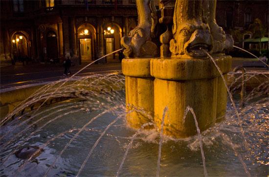 teatro Massimo - fontana - Catania (2585 clic)