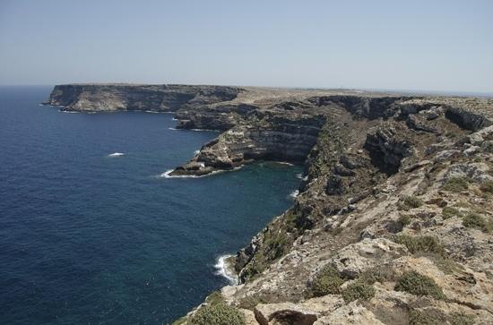 scogliera - Lampedusa (4150 clic)