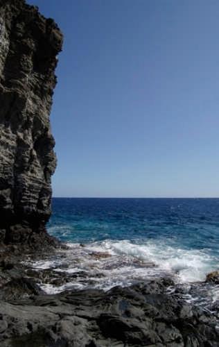 scoglio - Pantelleria (4270 clic)