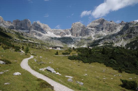 rifugio cacciatore in val ambiez - San lorenzo in banale (4005 clic)