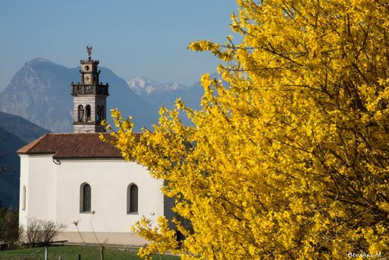 Santuario Madonna di Deggia - San lorenzo in banale (730 clic)