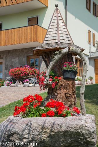 scorci nella frazione di Berghi - San Lorenzo in Banale - inserita il 23-Jul-15
