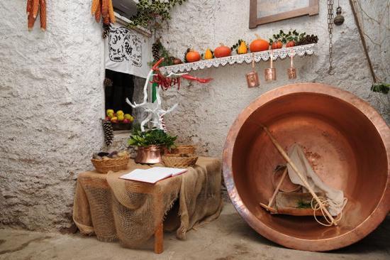 scorci della sagra della ciuiga - San lorenzo in banale (2997 clic)