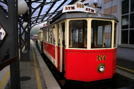 Stazione trenino della dentera Torino-Superga (7400 clic)