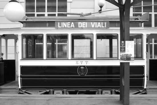 Stazione trenino della dentera Torino-Superga - TORINO - inserita il 08-Jul-07
