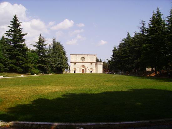 Basilica di Colle Maggio - L'aquila (1835 clic)