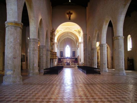 Basilica di Colle Maggio - L'aquila (3300 clic)