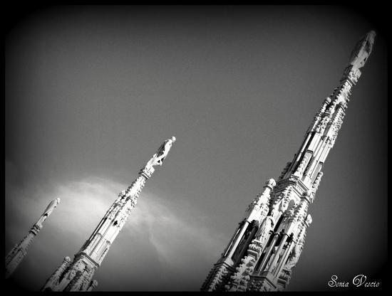 duomo di Milano... da un'altra prospettiva.. (626 clic)