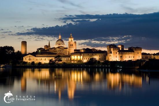Tramonto dal campo canoa - Mantova (1582 clic)
