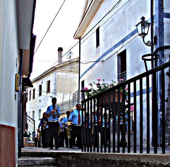 La banda vista dalla finestra  - Villa celiera (1190 clic)