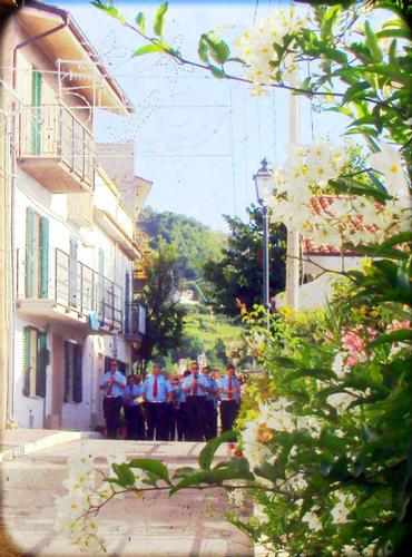 ....passa la banda - Villa celiera (1068 clic)