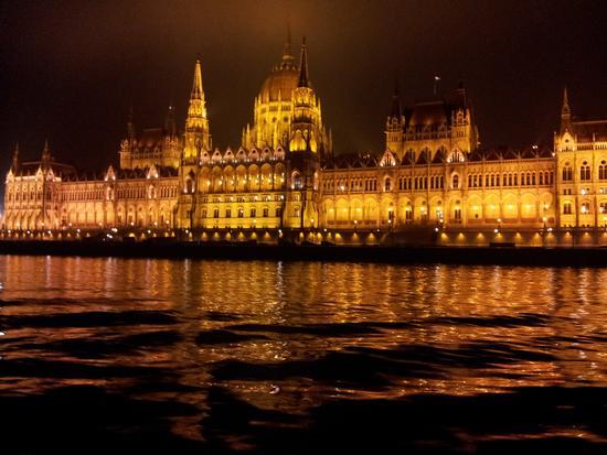 .....notte sul Danubio - Lecce (1829 clic)