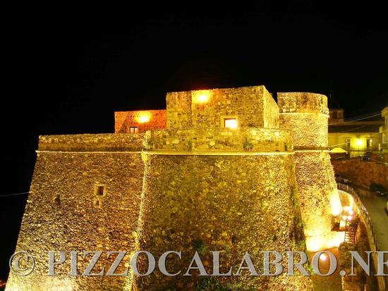 Veduta del Castello Angioino  Aragonese   - Pizzo (2599 clic)
