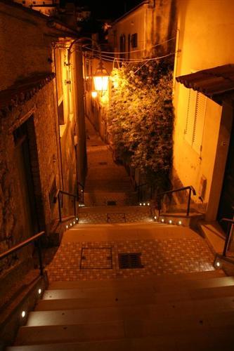vico casaletto , centro storico di Maratea (3548 clic)