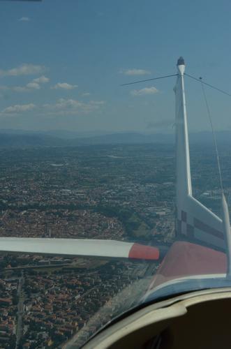 Su un Cessna verso l'Isola d' Elba - Lucca (1205 clic)