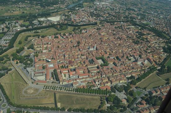 Lucca from above (1712 clic)