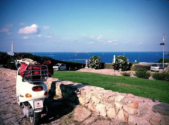 Il panorama immenso di Portisco - SAN PANTALEO - inserita il 23-Sep-13