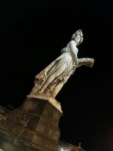 Lady night - Firenze (1139 clic)
