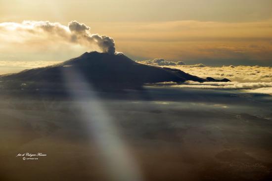 L'Etna vista dall'aereo (331 clic)