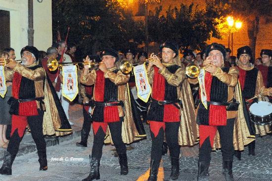 BUTERA (CL) TORNEO MEDIEVALE RUGGERO I° E ADELASIA DEL VASTO 2011 - Riesi (2086 clic)