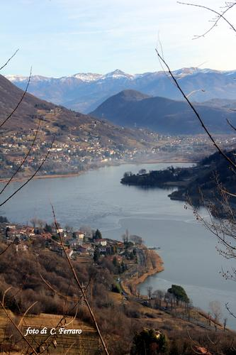 LAGO DI ENDINE GHIACCIATO    (BG)      2012 - LOVERE - inserita il 23-Jan-12