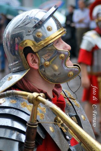 LEGIONE ROMANA AD ALBINO    2011 - Gazzaniga (2083 clic)