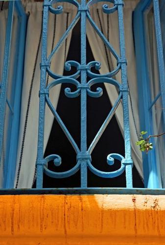 Balcone azzurro. - Polignano a mare (2716 clic)