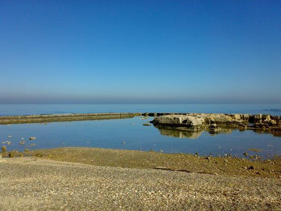 Linea panoramica. - Polignano a mare (2204 clic)
